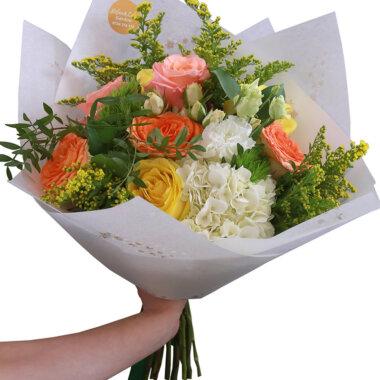 Buchet trandafiri - florarie online - livrare flori Bucuresti - buchet proaspat