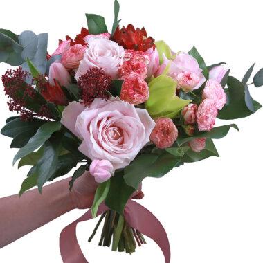 Buchet flori - florarie online - livrare flori Chiajna - trandafiri roz - lalele