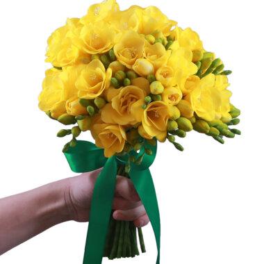 Buchet de flori - florarie online - livrare flori - frezii galbene