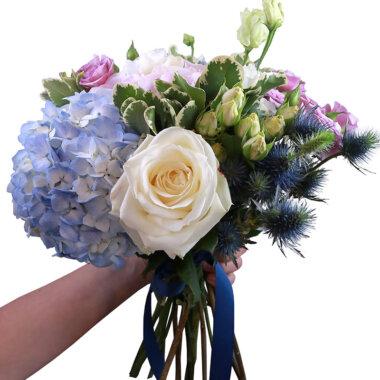 Buchet de flori - florarie online - livrare flori - hortensie - trandafir