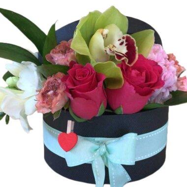 Buchet de flori - cutie flori - livrare trandafiri Bucuresti - cadou