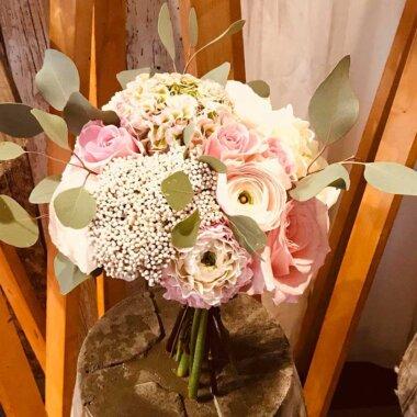 Florarie online - livrare flori Bucuresti - buchet mireasa - buchet nasa