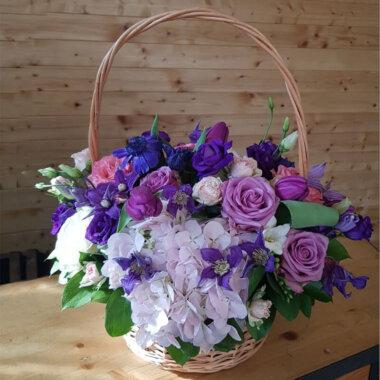 Cos impletit flori - Trandafiri