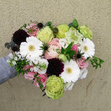 Frezie Aranjament floral Liliac