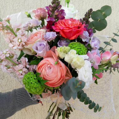 Buchet trandafiri - orhidee - mathiola