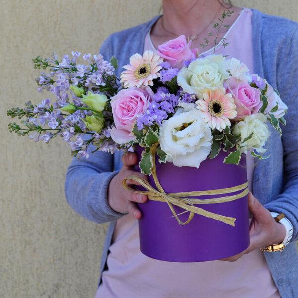 Aranjament Liliac - Trandafiri roz