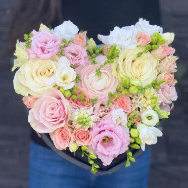 Aranjament floral suport inima - My Love